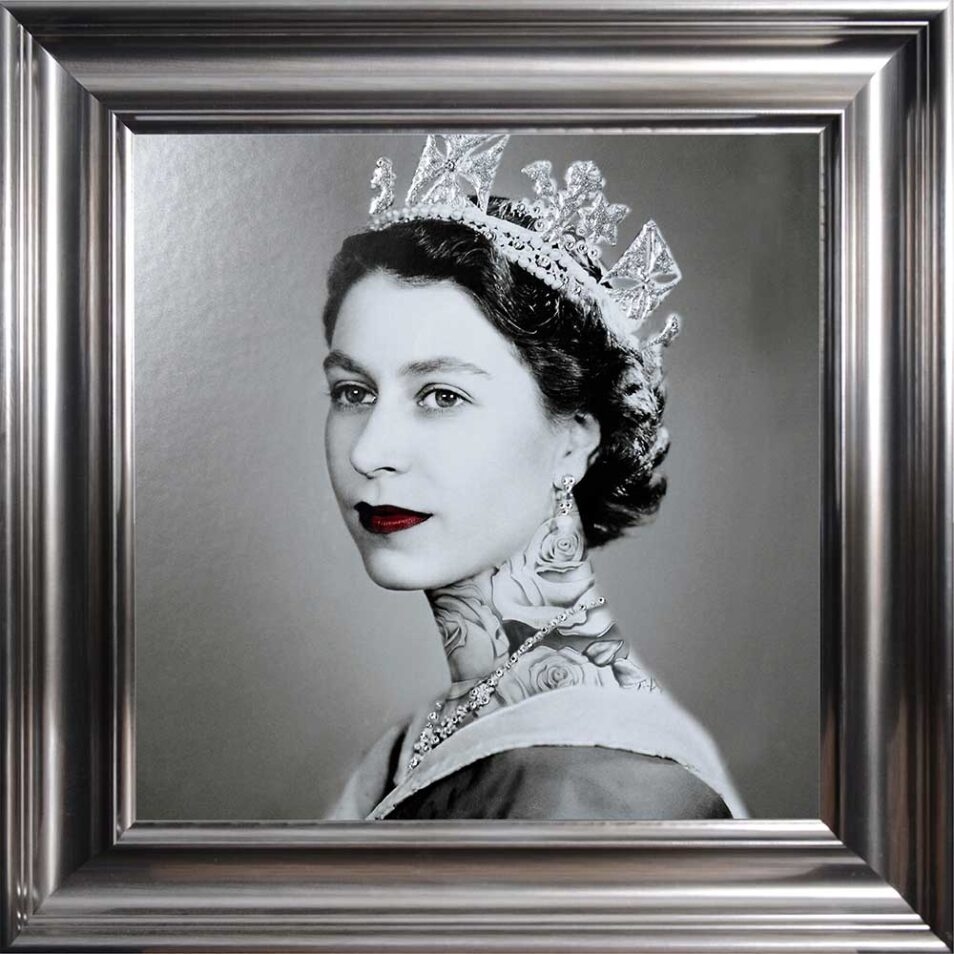 Queen Elizabeth - Neck Tattoos - Glitter - Vegas Frame